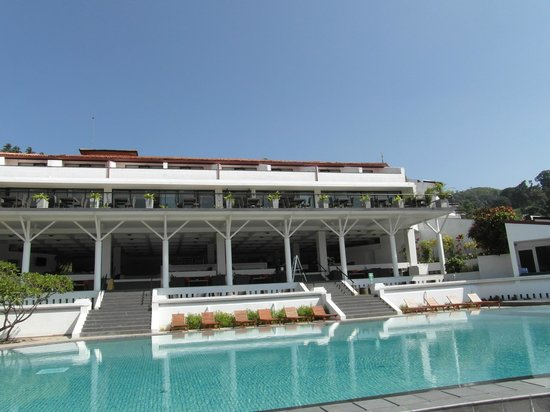Cinnamon Citadel Kandy: view from the pool