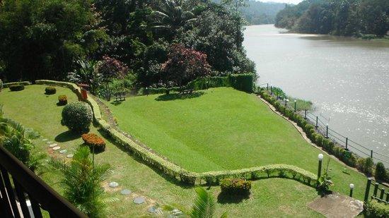Cinnamon Citadel Kandy: gardens
