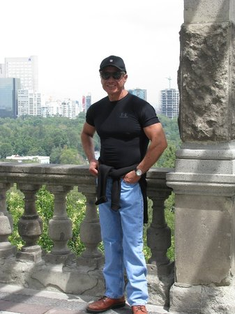 Mexico City Elite Tours: Me at Chapultepec Castle