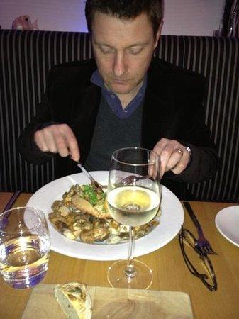 Verveine Fishmarket Restaurant:                   crab with pebbles