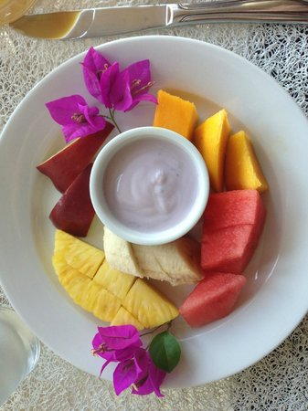 El Castillo Hotel:                   Fruit is amazing in CR!