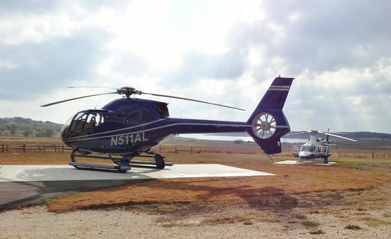 Canyon Lake Helicopters : Parking Pad