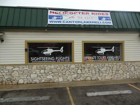 Canyon Lake Helicopters : Front Entrance