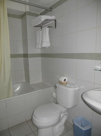 Sonesta Posadas del Inca: bathroom