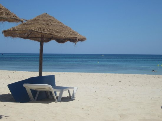 Holiday Village Manar:                   Beach