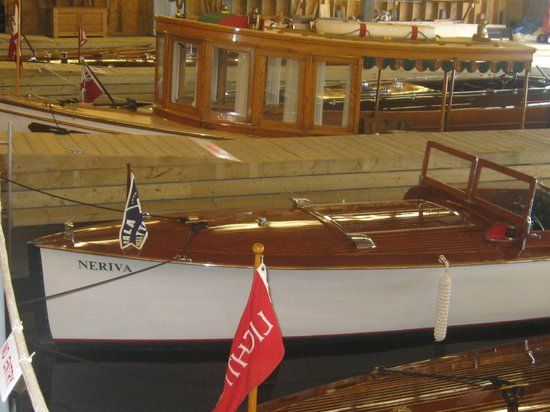 Muskoka Steamships and Discovery Centre:                   Fine Wooden Boat