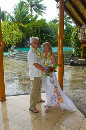 InterContinental Bora Bora Le Moana Resort:                   Just married