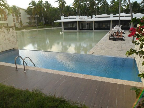 Catalonia Royal Bavaro:                   Our infinity pool