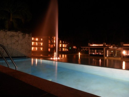 Catalonia Royal Bavaro:                   One of the fountains at night