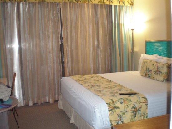 Aqua Palms Waikiki: King size room