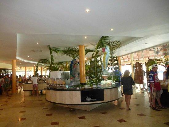 Grand Palladium Punta Cana Resort & Spa:                   Buffet