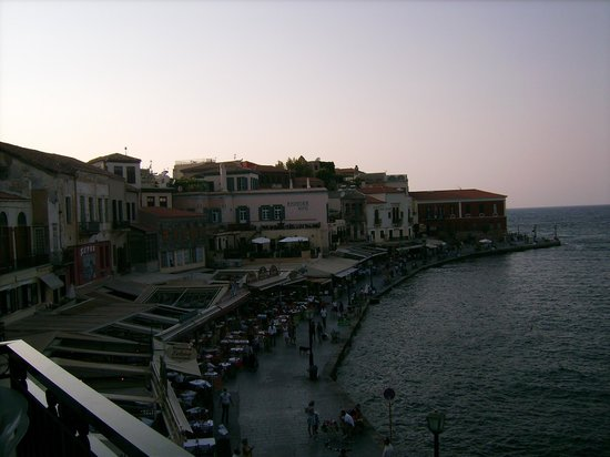 Loukia Hotel: The harbor's west side at dusk from room's balcony