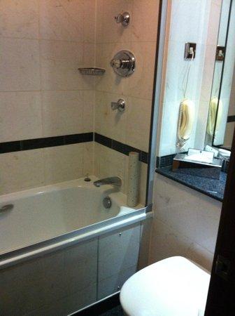 โรงแรมเกรซ ฮอลบอร์น: Bathroom 2