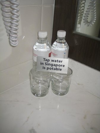 ‪رانديفو هوتل سنغافورة:                   Two bottles daily, Singapore water is safe to drink
