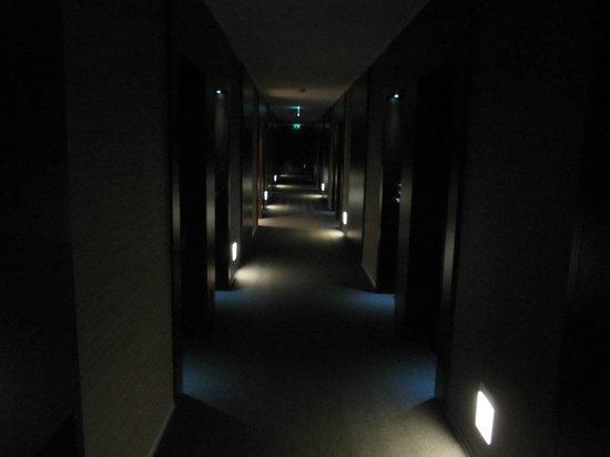 Moov Hotel Porto Centro:                   corredor dos apartamentos