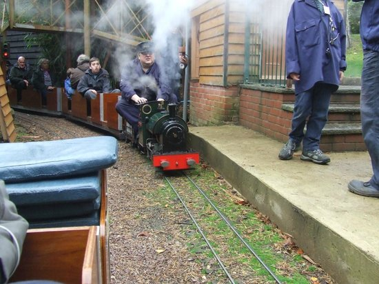 Вроксхам, UK:                   Miniature Steam Loco