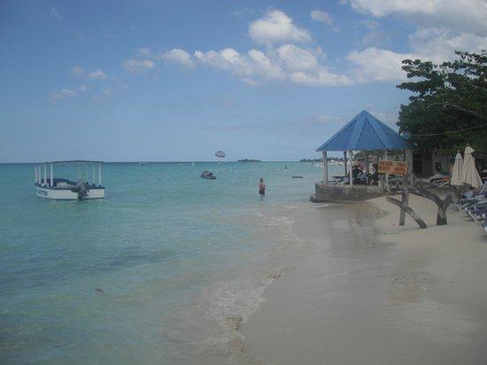Royal Decameron Montego Beach :                   bord de plage.