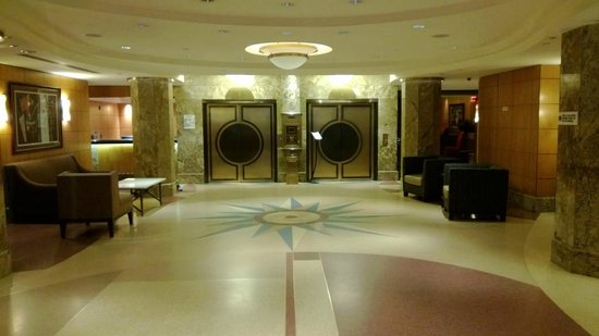The Belvedere: Art deco lobby