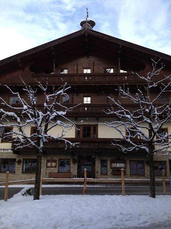 Hotel Post:                   HOTEL