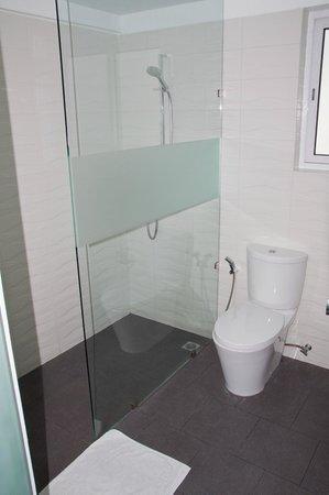 Cinnamon Hakuraa Huraa Maldives:                   Bathroom