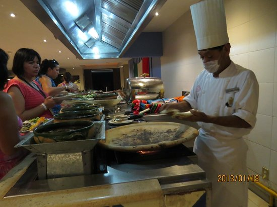 Las Brisas Huatulco:                   Angel makes the best tacos and pasta!