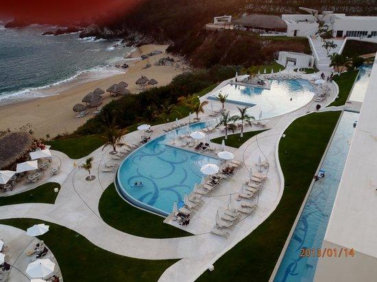 Secrets Huatulco Resort & Spa:                   pool