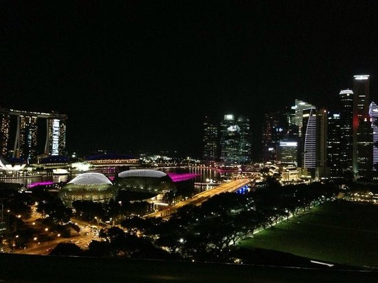 Fairmont Singapore: Our first glimpse of Singapore