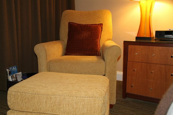 Fairmont Vancouver Airport:                   Room