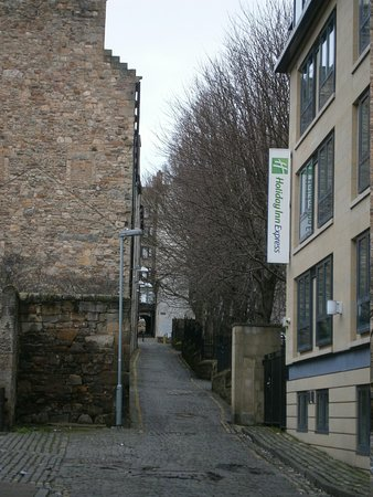 Holiday Inn Express Edinburgh - Royal Mile: Side Street by Hotel