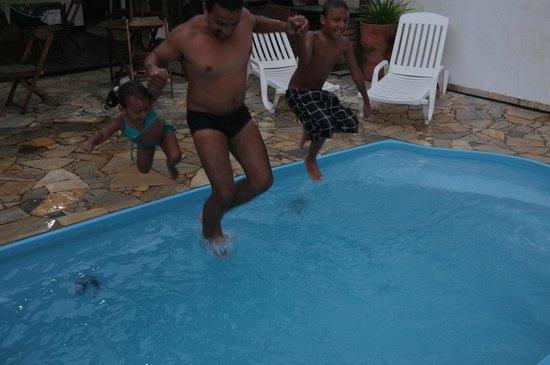 Pousada Astro Rei:                   Area comum piscina