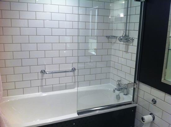Andaz London Liverpool Street: Bath/shower