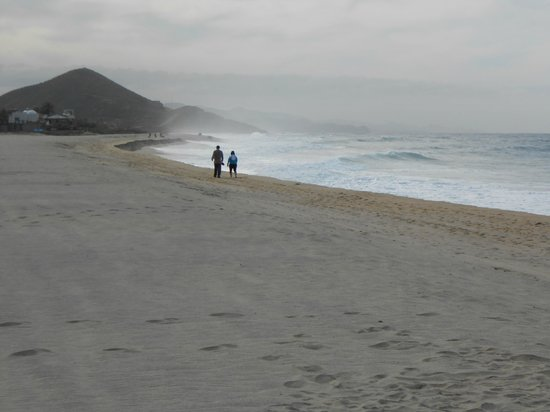 Rancho Pescadero:                   View walking the beach