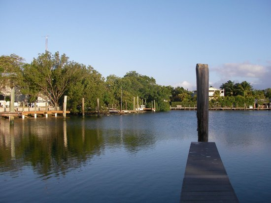 Kingsail Resort Motel:                   dock