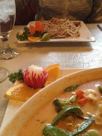 Lime Leaf:                   Vegetable Panang Curry and Tofu Pad Thai