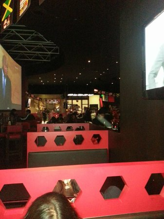 Manchester United Cafe Bar:                   Ambience