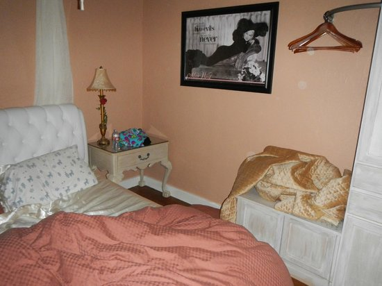 Cottonwood Hotel : Orbs in bedroom