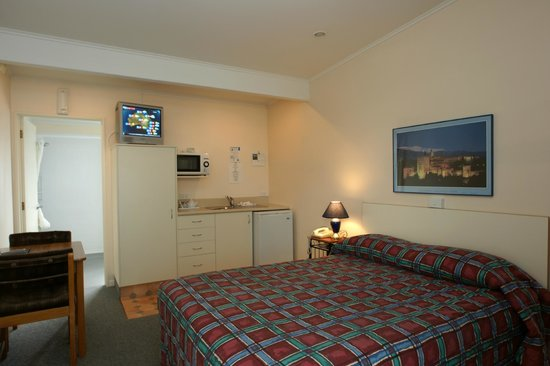 Alpine Motel: Small studio c/w mini kitchen