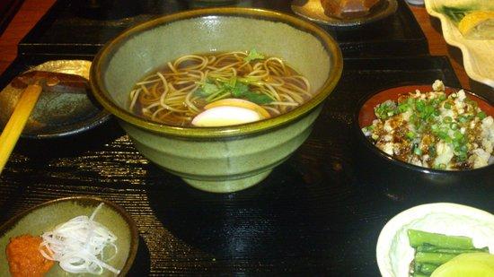 Yamaboshi :                   穴子飯とおそばのセットです