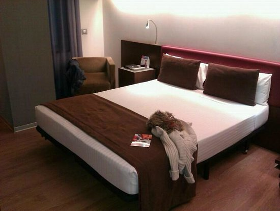 Ayre Hotel Gran Via: Habitación
