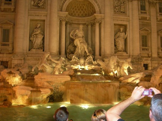Cesar Palace Guesthouse: Trevi Fountain