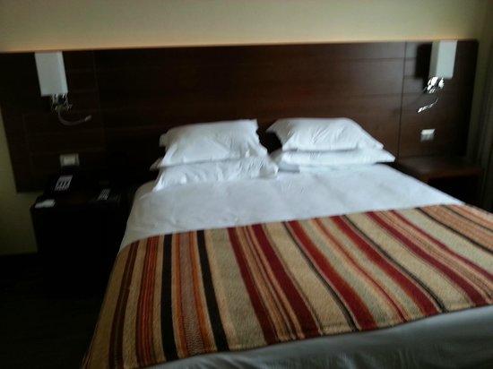 Hotel Manquehue Puerto Montt:                   Bed