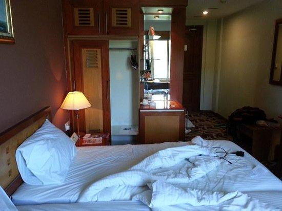 Swiss-Belinn Batam:                   Inside hotel view
