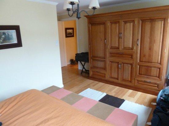 Complejo Turistico Lo de Tomy:                   Dormitorio. Televisor con Direct Tv con todos los canales (dentro).