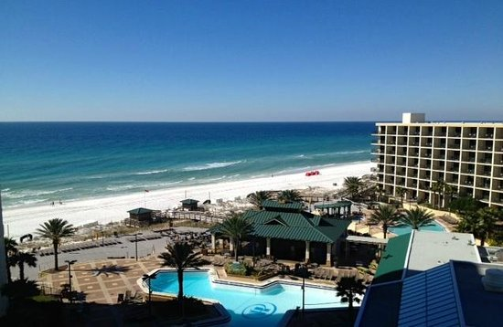Hilton Sandestin Beach, Golf Resort & Spa: View of the beach