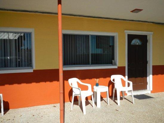 Carousel Motel:                   motel units