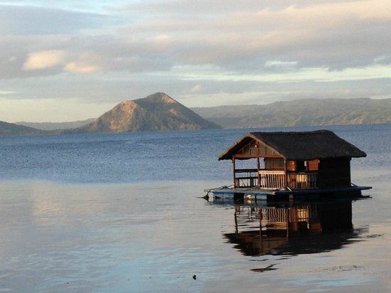 Talisay, Filipinler: View of Taal Volcano