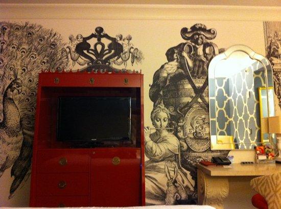 Hotel Monaco Philadelphia, a Kimpton Hotel:                                     Deluxe King Room