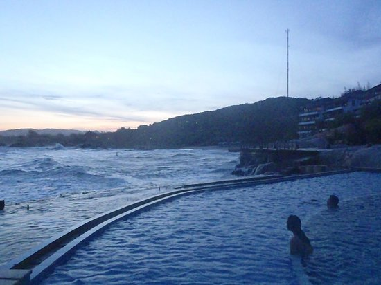 Rock Water Bay Beach Resort & Spa:                   Sunset from swimming pool