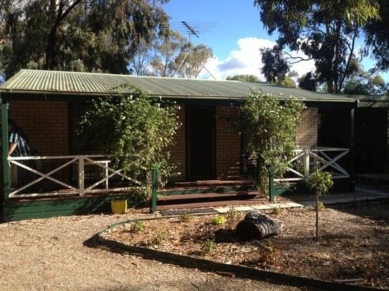 Barossa Country Cottages:                   cottage 2