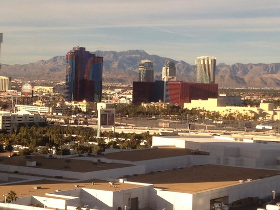 Treasure Island - TI Hotel & Casino:                                     Strip view room, can also see mountains (#24008)